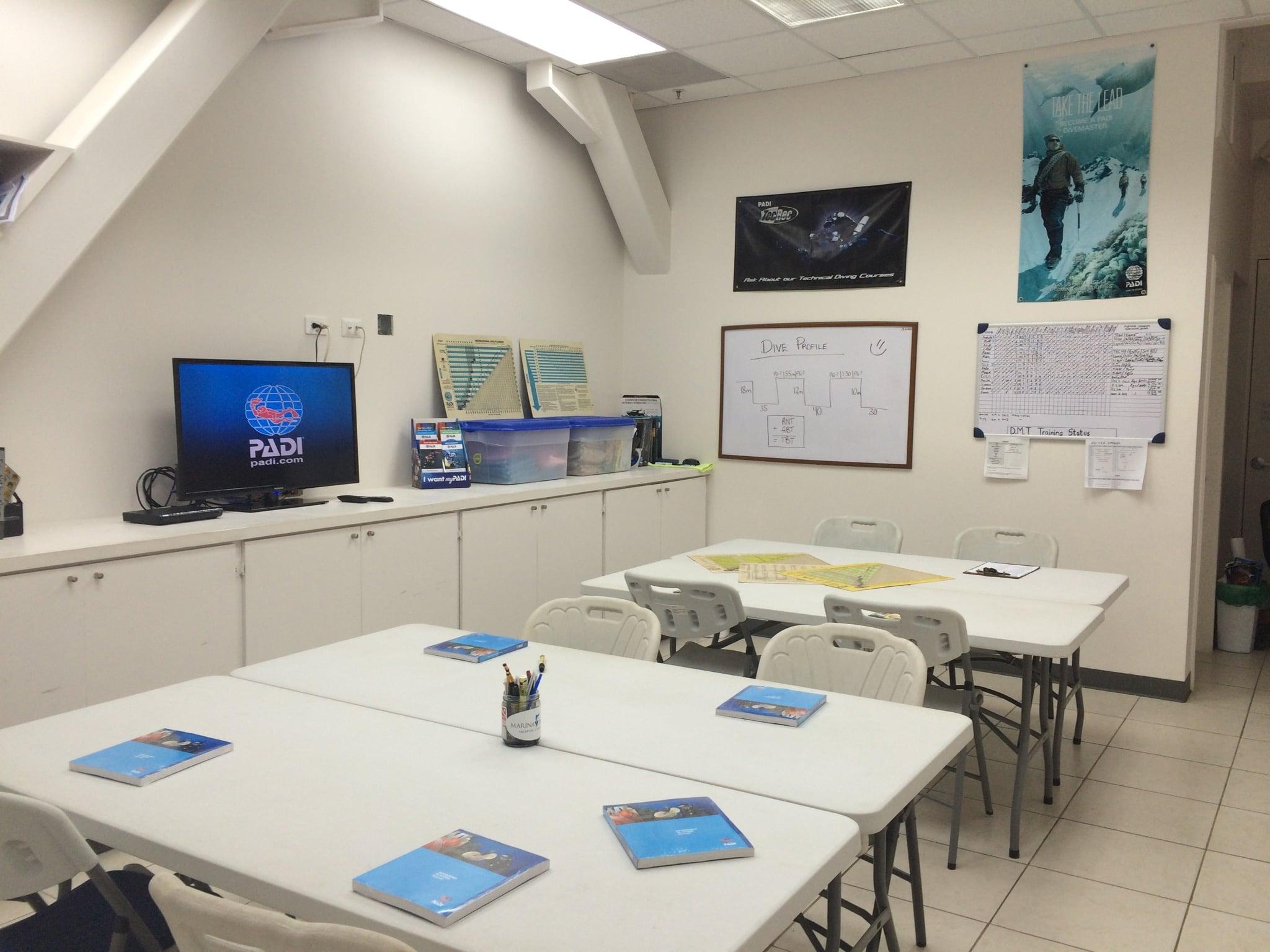 PADI IDC classroom